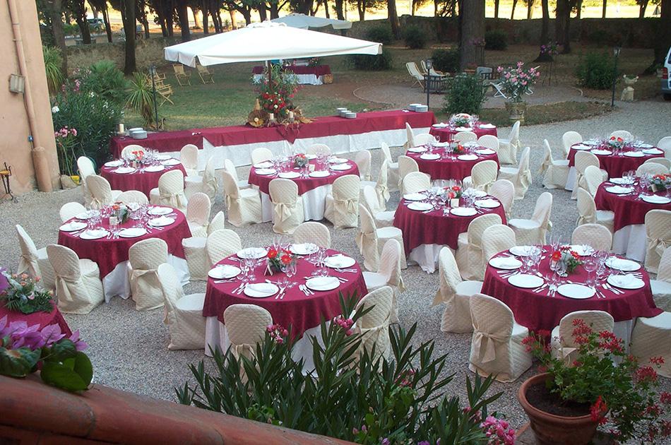 Tavoli Matrimonio Girasoli : Villa con parco e piscina per matrimoni ed eventi in